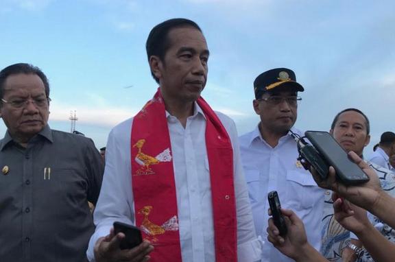 3 Fakta Kiriman Papan Bunga Untuk Presiden Indonesia