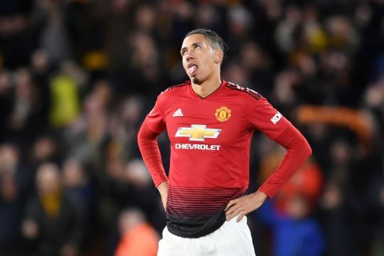 MU Pinjamkan Smalling ke AS Roma